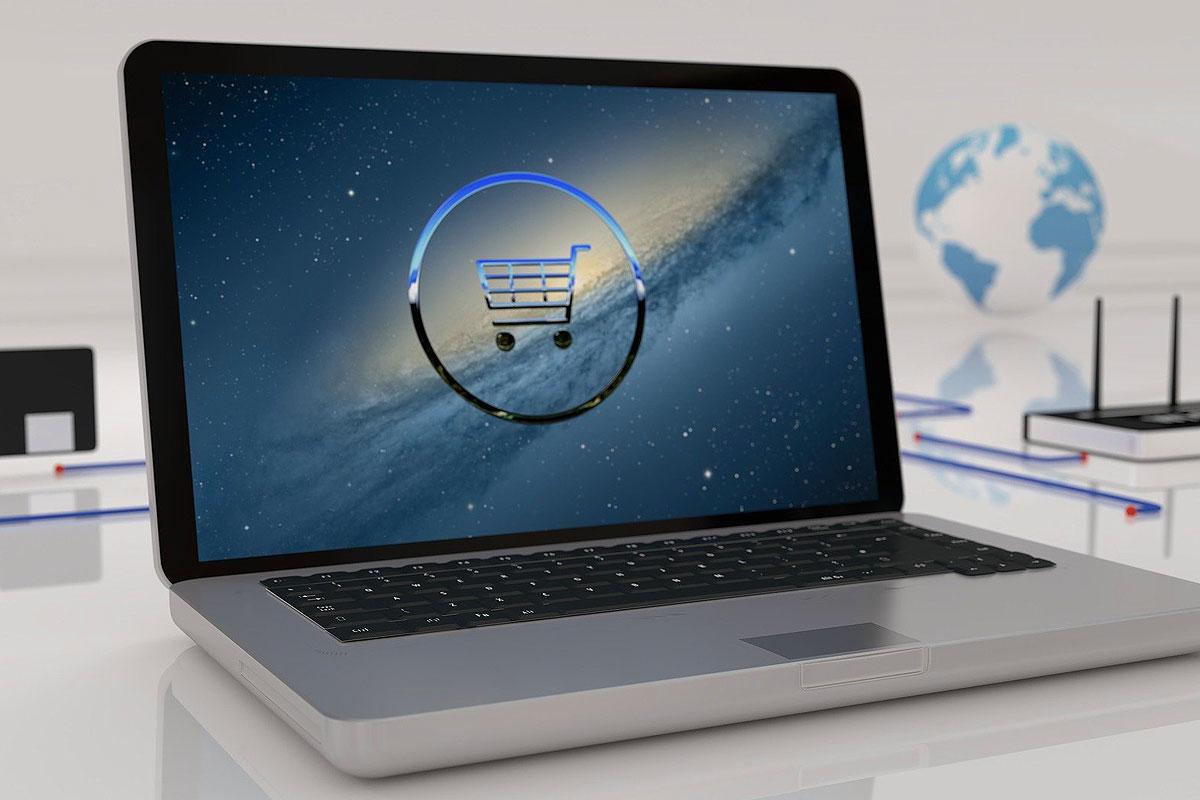 Online-Shop auf Notebook